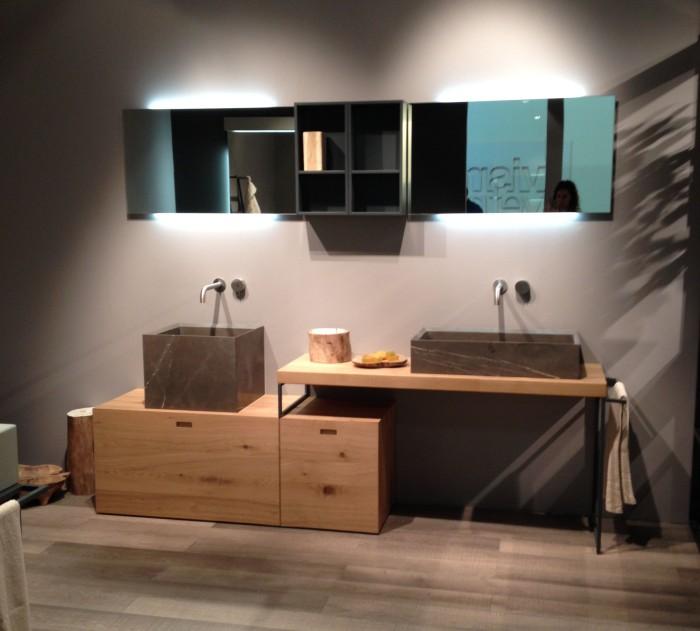 """Novello_ceramica e legno: """"Craft""""In rovere termocotto, lavabo in appoggio in pietra grey opaca"""