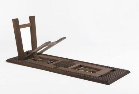 tavolo richiedibile, design Michele de Lucchi by Riva 1920- chiuso