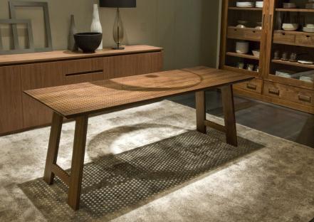 tavolo richiedibile, design Michele de Lucchi by Riva 1920- aperto