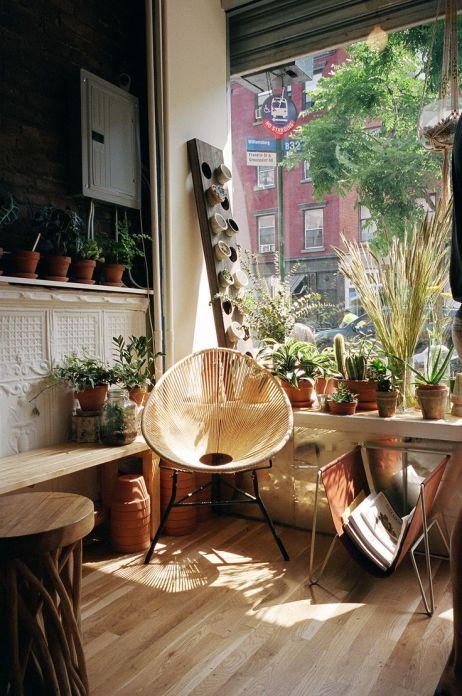 come essere in giardino. via rosegoldteef.tumblr.com