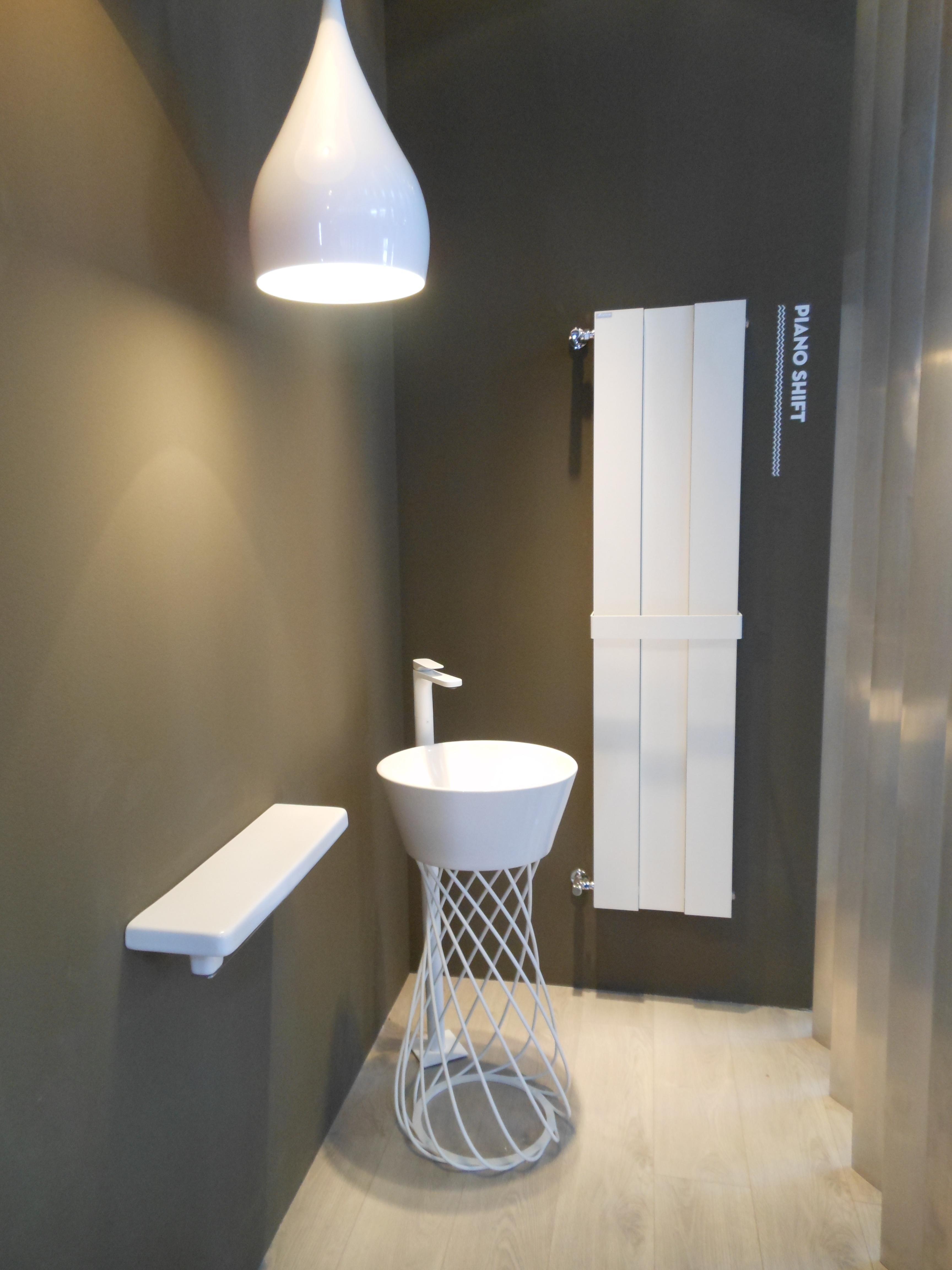 Il bagno in fondo a destra mayday casa blog e progetti - Portasalviette design ...