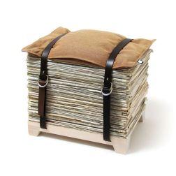 originale l'idea di usare i giornali che si accumulano come pouf by Njustudio