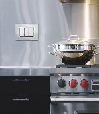 cucina tecnica e interruttore alluminio